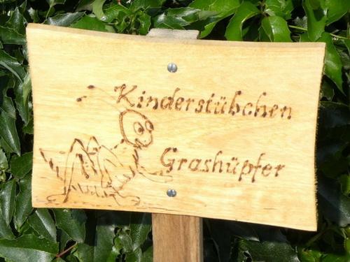 Kinderstübchen Grashüpfer